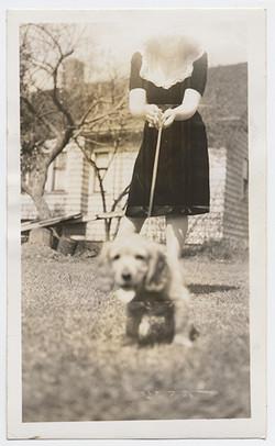 fp2809(PuppyOnLeash_Woman)
