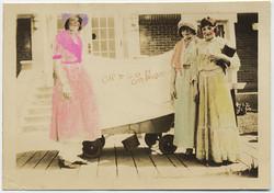 fp4480(Women_Costumed_OregonOrBust-titned)