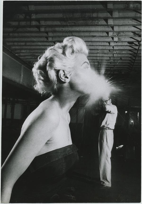 fp7205(PF-Cigarette-Fire)