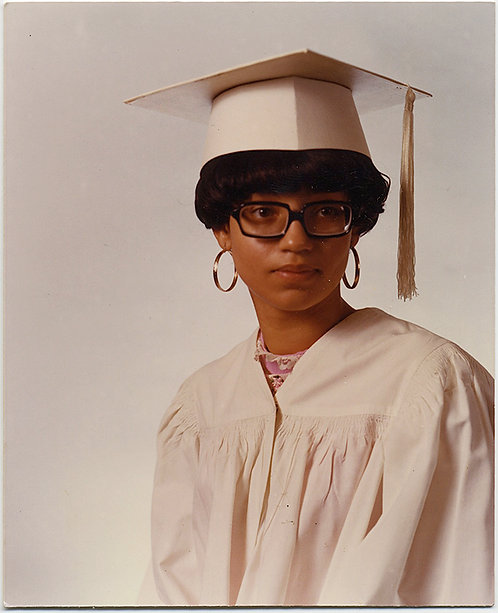 ANGLES RECTANGLES HOOPS in WHITE GRADUATION PORTRAIT