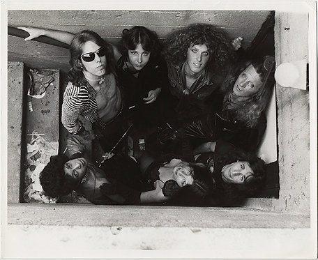 ALTERNATIVE FUNKY SEXY ROCK BAND POSES in SKANKY STAIRWELL for 70s GROUP SHOT