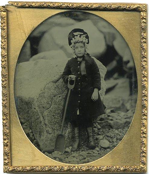 fp1248 (English Child at Seashore)