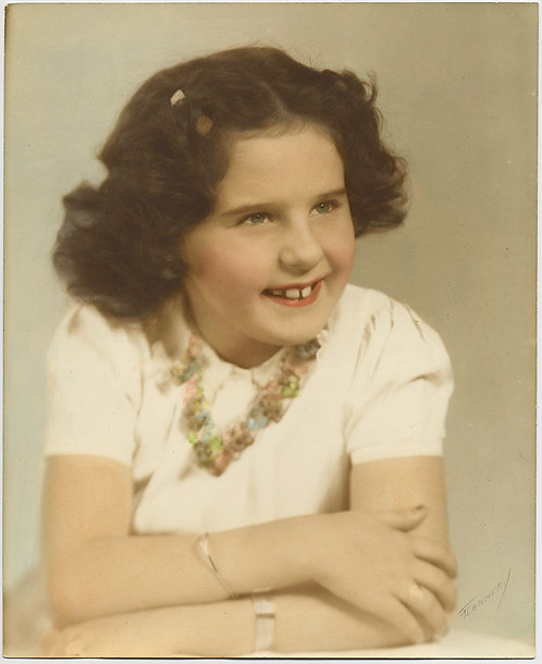 LOVELY STUDIO DELICATE HAND TINTED PORTRAIT of SMILING YOUNG GIRL