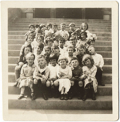 GORGEOUS GROUP PHOTO of YOUNG KIDS GATHERED on STEPS CLASS PHOTO