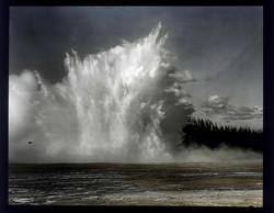 fp6760(AC_ExcelsiorGeyser_Yellowstone)