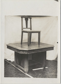 fp6152(ChairOnTable)