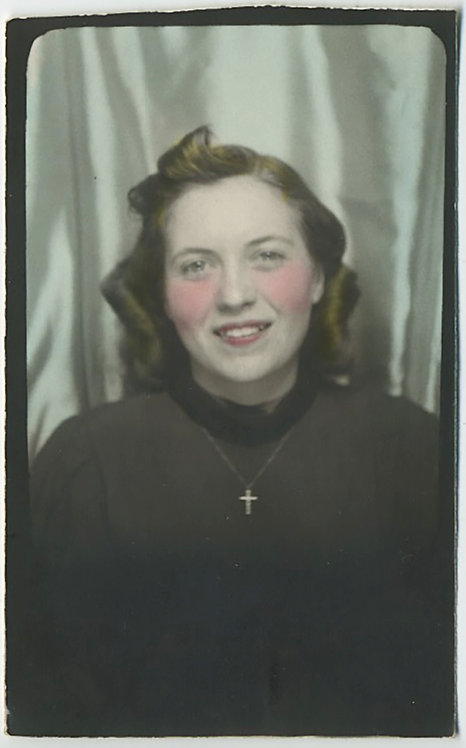 ELONGATED PHOTOBOOTH PRETTY YOUNG WOMAN w CRUCIFIX CROSS NECKLACE HAND TINTED