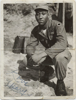 fp8912(Africa-American-Soldier-folded)