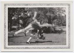 fp3486(Girls_Cartwheel_MotionBlur)
