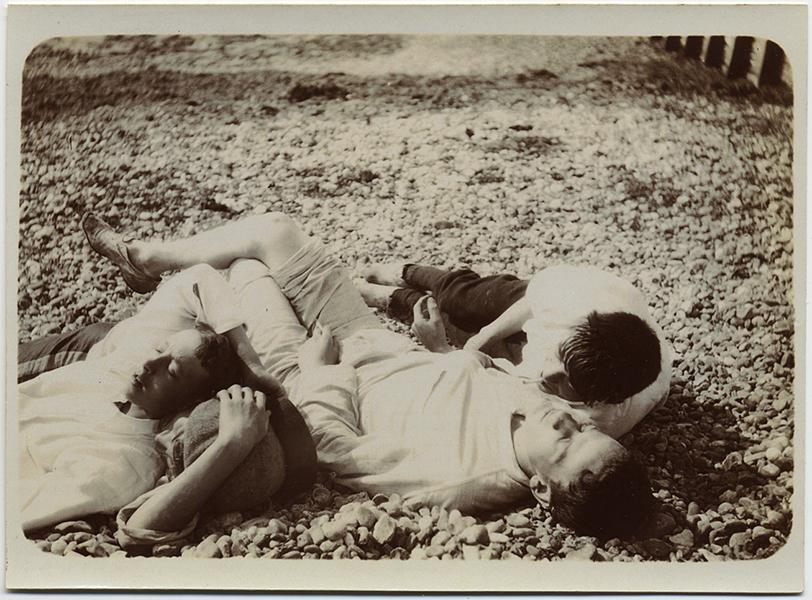 fp10271(Group-Asleep-Men)