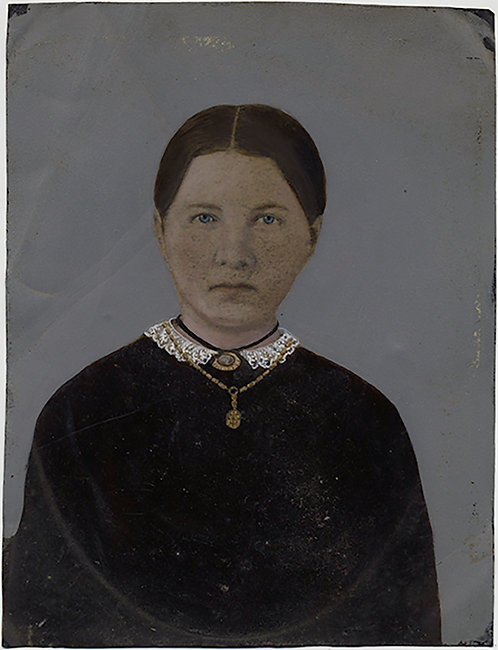 LOVELY SIMPLE PORTRAIT FULL PLATE HAND PAINTED TINTYPE WOMAN PENDANT NECKLACE