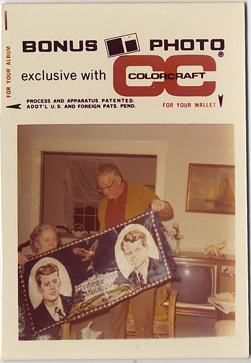 BONUS PHOTO of COUPLE HOLDS KENNEDY BOBBY & JFK VELVET BANNER