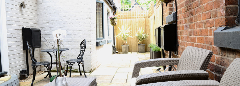 The Courtyard Seating 4V2A3295 (1).jpg