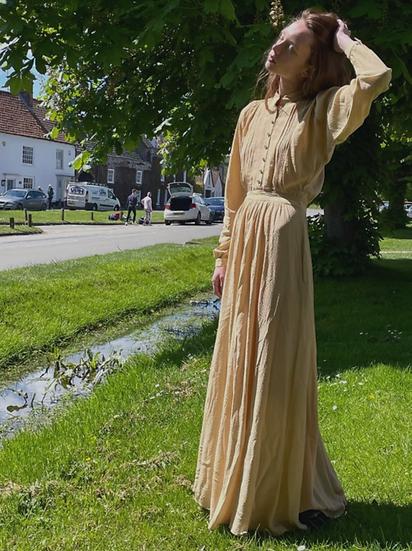 Jacquard Pin Tuck Front Maxi Dress - size 6/8