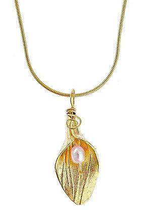 Calla Lily Gold Pendant on Chain