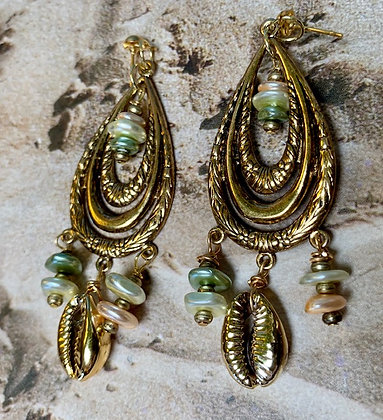 Golden coated Teardrop with perolyzed charms