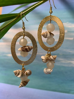 Oval E-coated Golden Seashell Earrings