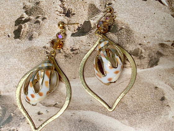 Caribbean shell golden trimed, e-coated teardrop