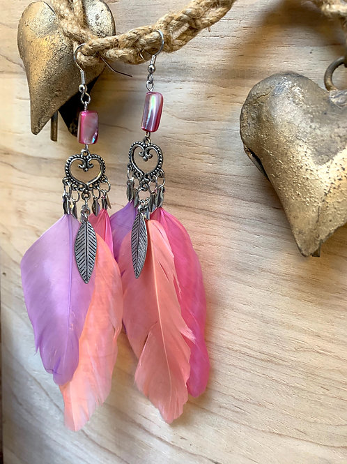 3 feathers lilac, pink purple feathers