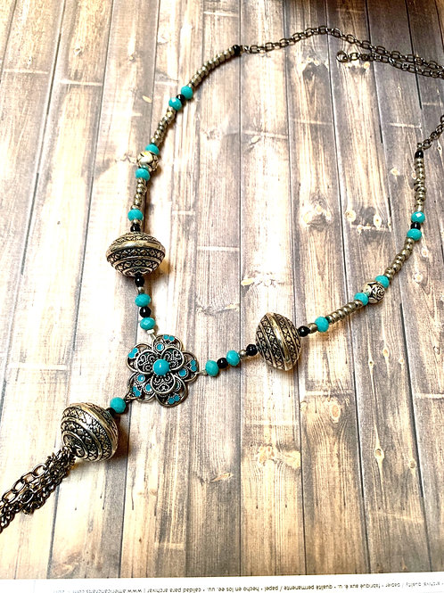 Exotic silver flory blue turquoise necklace