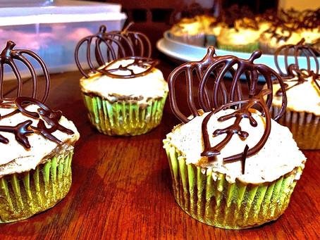 Vegan Pumpkin Spice Cupcakes With Vegan Cinnamon Cream Cheese Frosting
