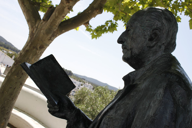 reading in Eivissa