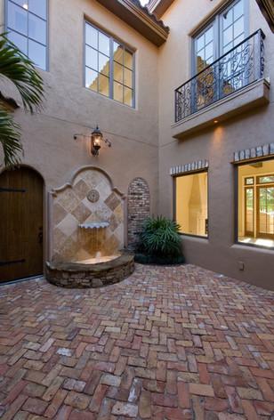toscanavita+courtyard1.jpg