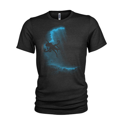 Giant OCTOPUS in the shadows Fantastic cool Scuba Diving T-Shirt