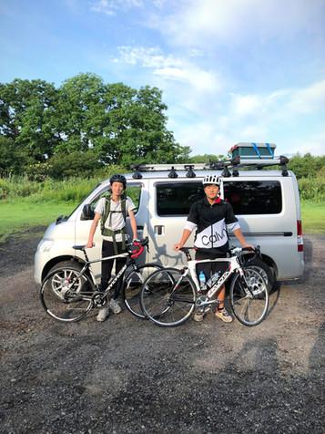 自転車とサイクリスト