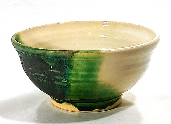 Medium Bowl –– White Clay