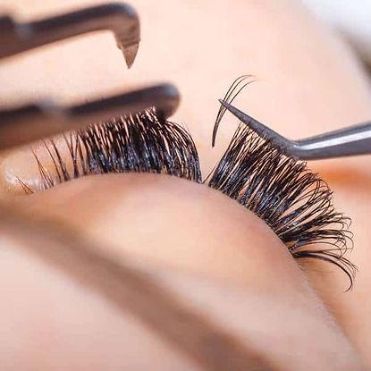 Elizabeth-Sands-Beauty-School-Portadown-