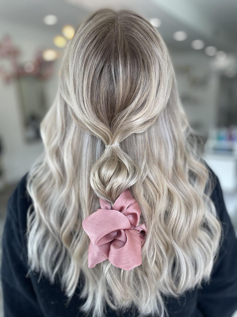 Full blonde highlight