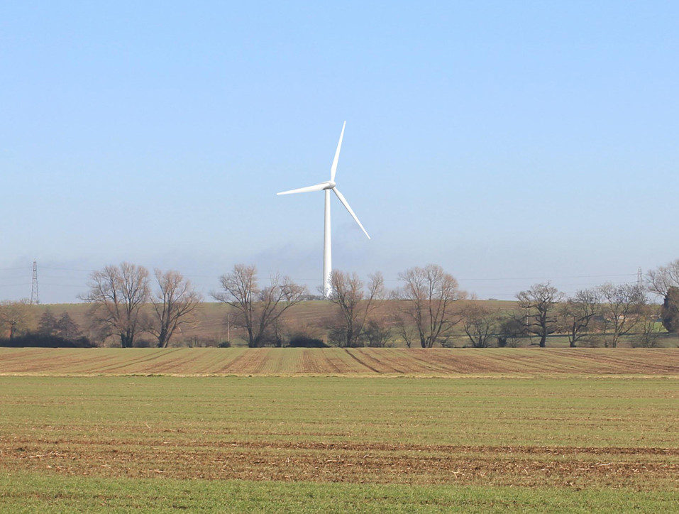 Dunton Hills Wind Turbine
