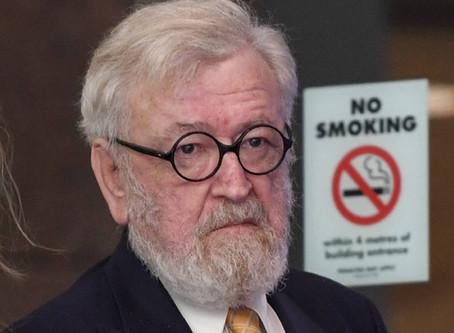 Robert Richter QC smette di fumare con lo svapo