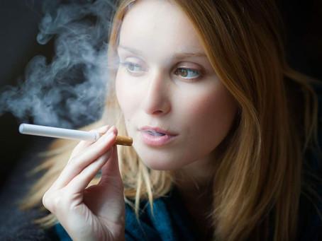 In Inghilterra circa 20'000 persona all'anno smettono di fumare grazie alla e-cig.