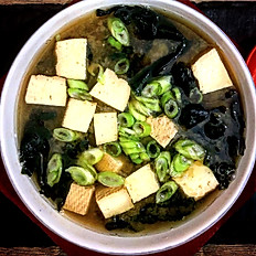 Miso leves füstölt tofu al