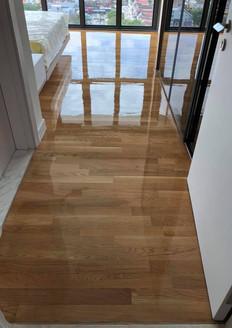 Sanding & Varnishing (White Oak 2).jpg