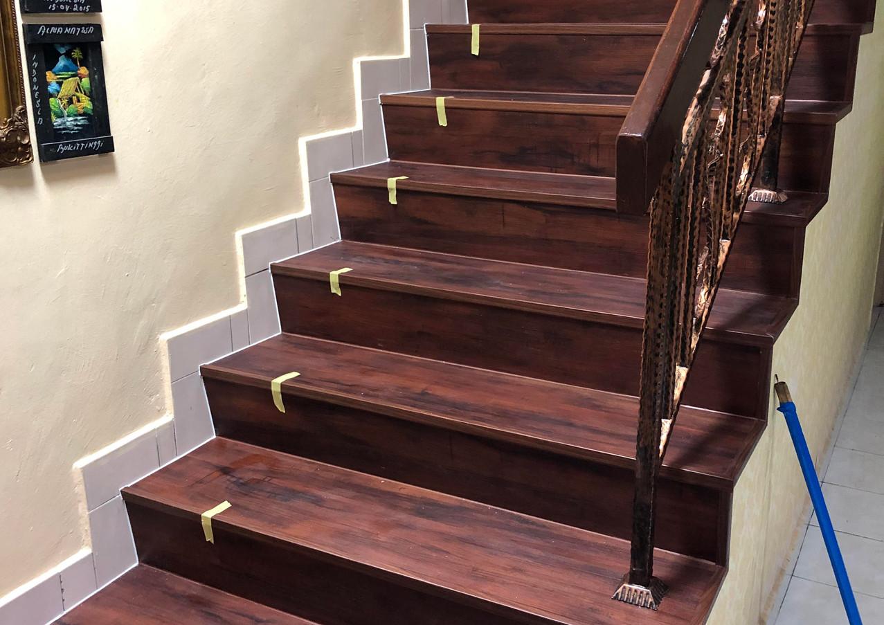 Staircase (1A).jpg