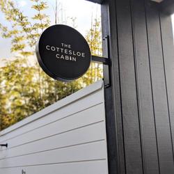 cottesloe-cabin-logo-design-logo-signage
