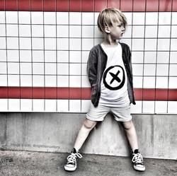 Paxton-and-Co-kiss-design-tshirt