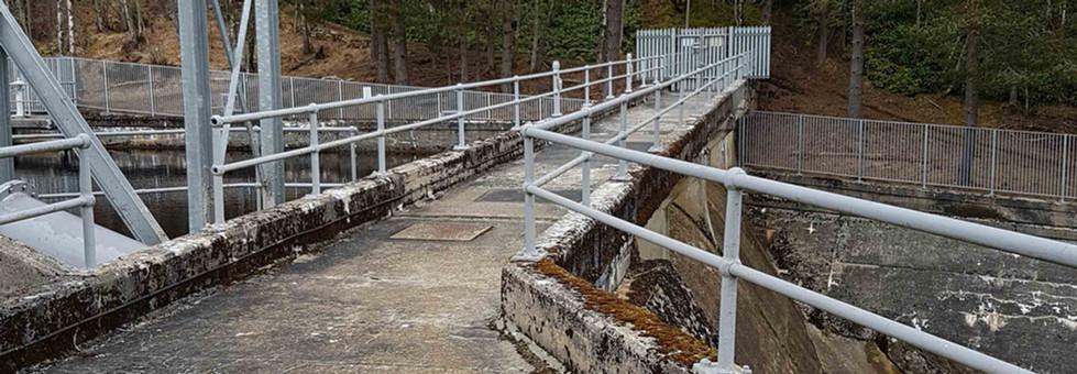 Handrail system supplied by kite on Dunalastair dam