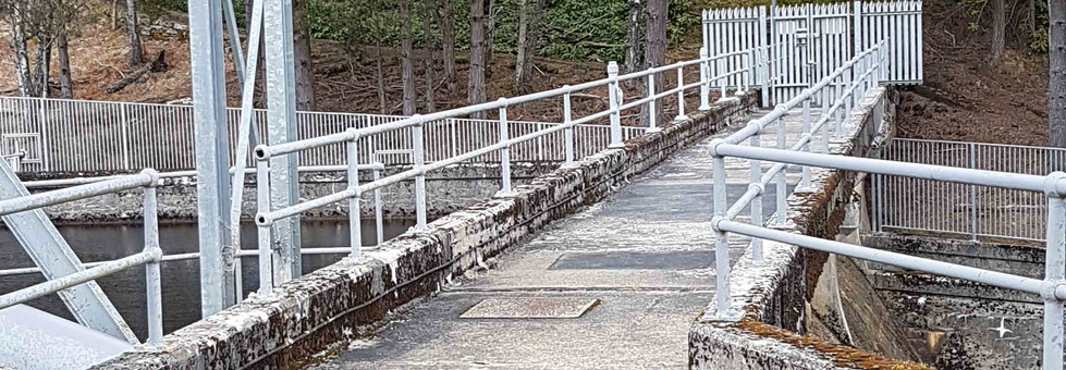 Handrail system supplied by kite on the edge of Dunalastair dam-safety