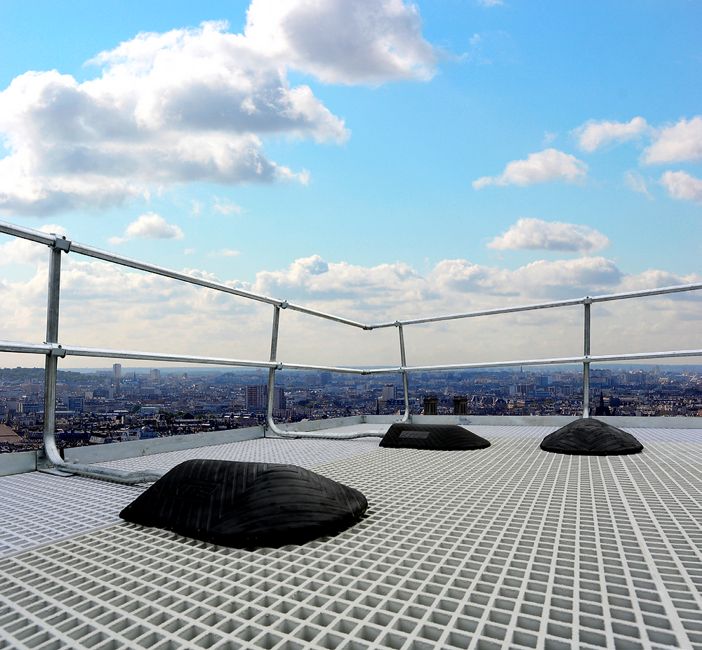 roof edge upright freestanding protection system