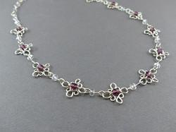 Anna's Loop Necklace