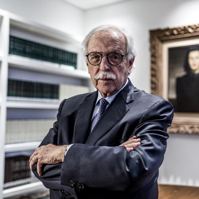 Modesto Carvalhosa, jurista