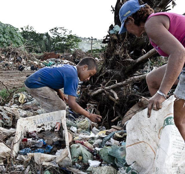 Sobrevivendo no lixão