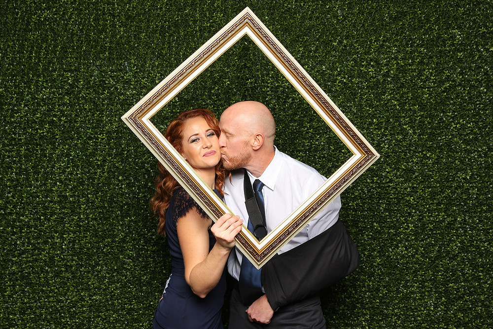 photo booth rental abbotsford couple