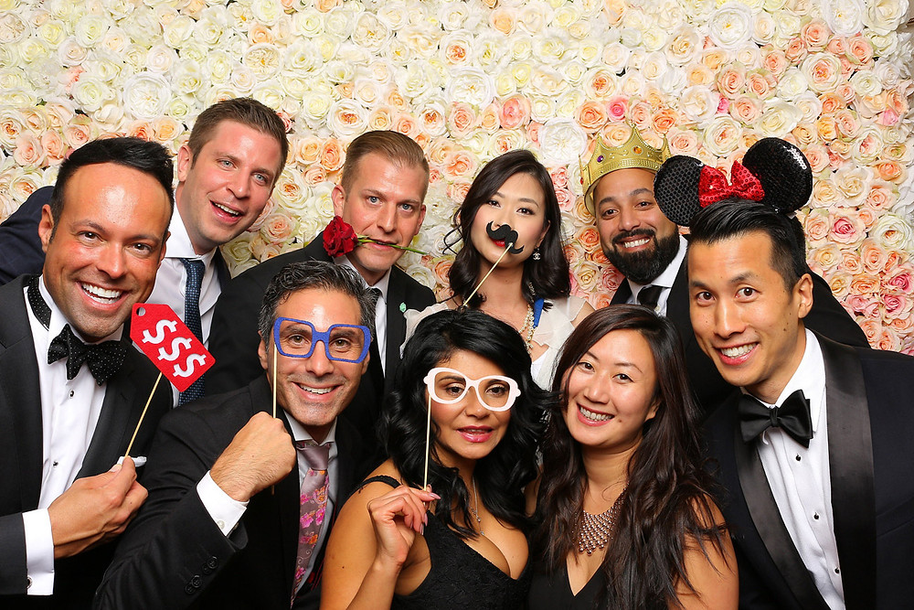 vancouver photo booth rental smiling group