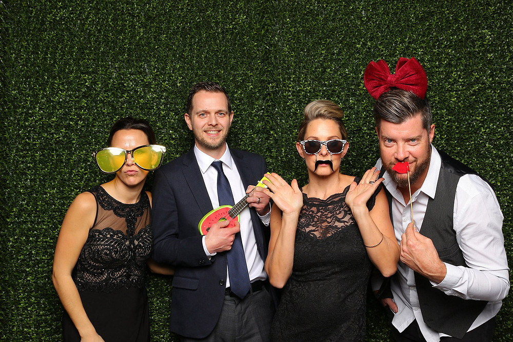 photo booth rental abbotsford friends