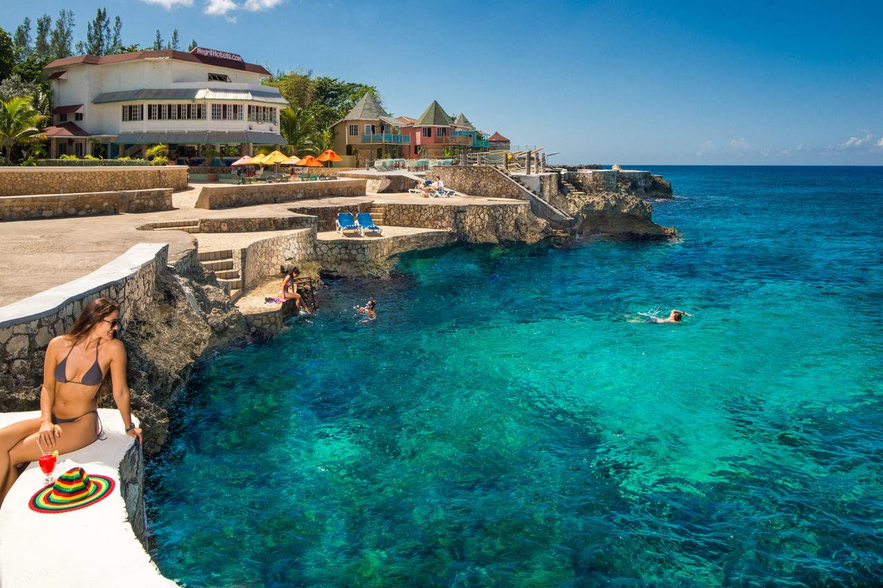 MONTEGO BAY TO NEGRIL HOTELS  1WAY
